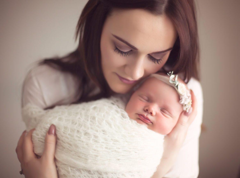 عکس نوزاد و پدرش
