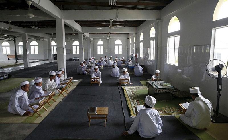 کلاس درس آموزش قرآن در پایتخت اندونزی.