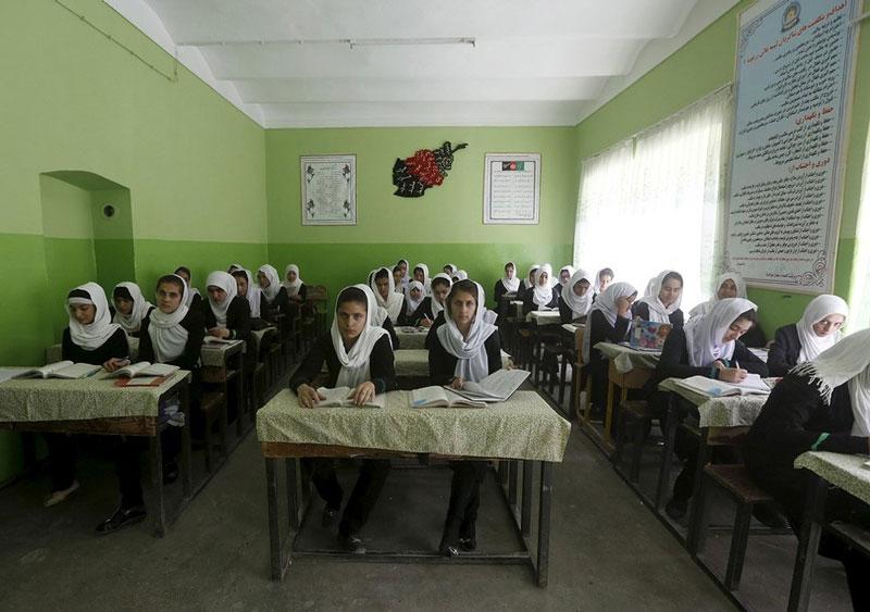 کلاس درس دختران در افغانستان