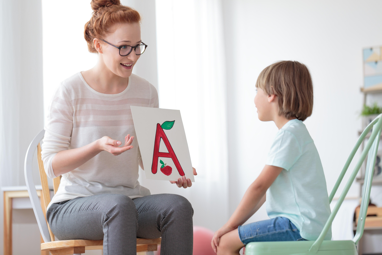 انواع لکنت زبان در کودکان