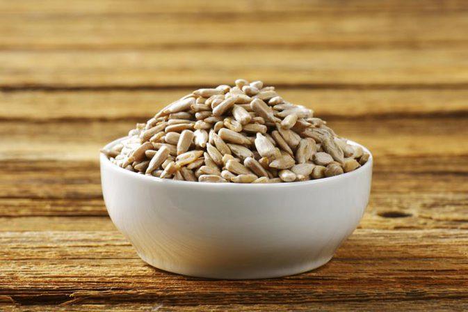 11.تخمه آفتاب گردان - منبع پروتئین گیاهی