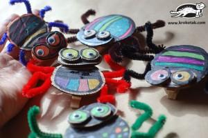کاردستی با کاغذ رنگی برای کودکان و پیش دبستانی ها: ساخت عنکبوت گیره دار