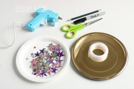 ساخت مدال قهرمانی با ظرف های پلاستیکی، کاغذ رنگی و چسب