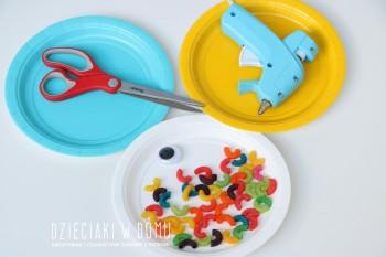 کاردستی ساخت ماهی با ظرف های یک بار مصرف و آبنبات