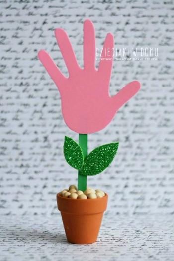 کاردستی ساخت گل با طرح کف دست