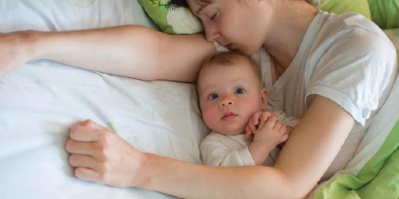 خوابیدن کودک در اتاق والدین: تا چه سنی؟