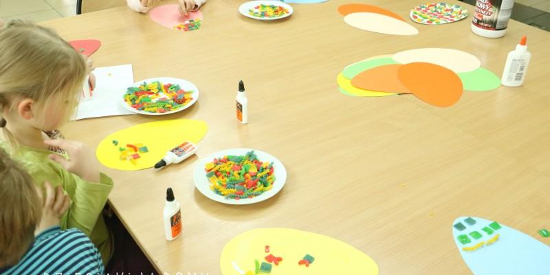 ساخت کاردستی با ماکارونی رنگی