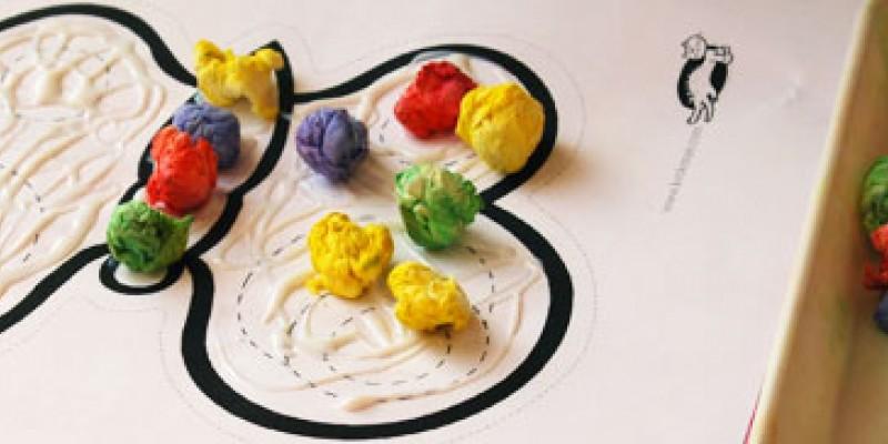 کاردستی ساخت پروانه با دستمال کاغذی رنگی